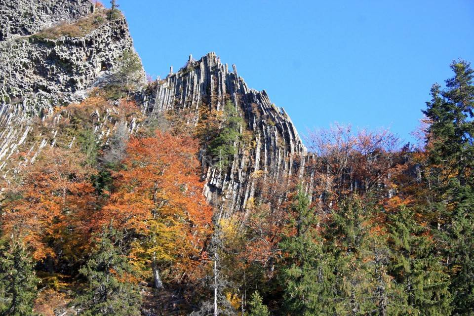 Monumente impresionante ale naturii-Detunatele 10