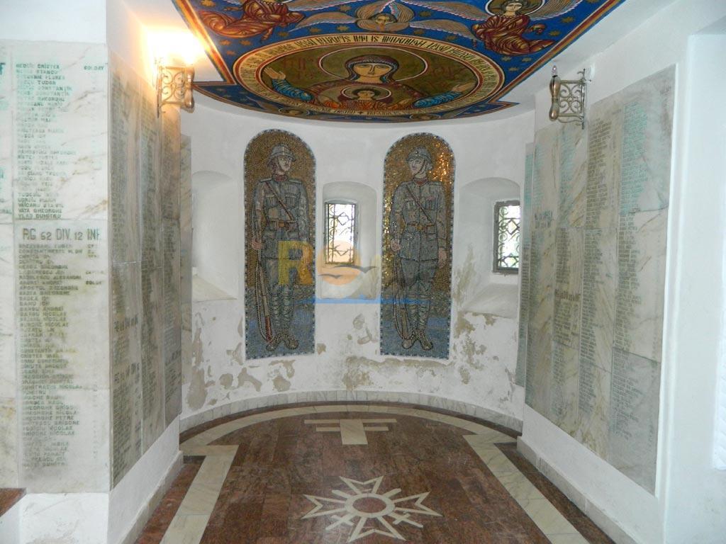 mausoleul-eroilor-de-la-mateias-48
