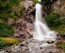 cascada-varciorog-51037-l-275x182