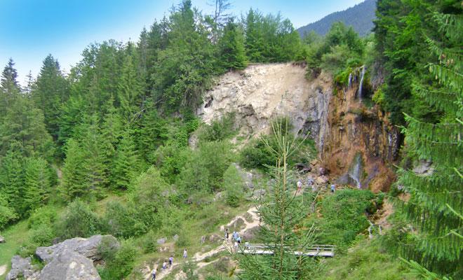 Cascada Pisoaia din comuna Vidra