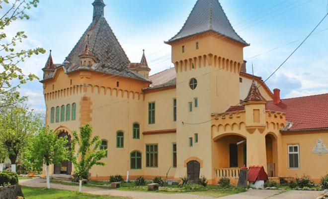 Castelul Purgly din comuna Sofronea - calebatuta