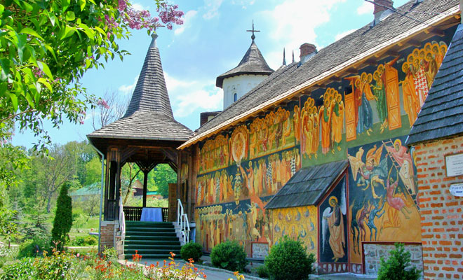 Manastirea Cotmeana din comuna Cotmeana - flickr