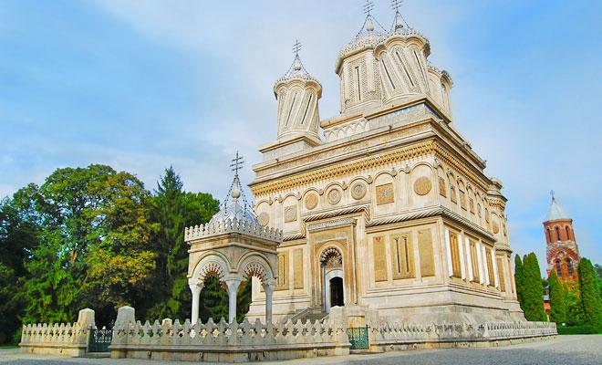 Manastirea Curtea de Arges din orasul Curtea de Arges