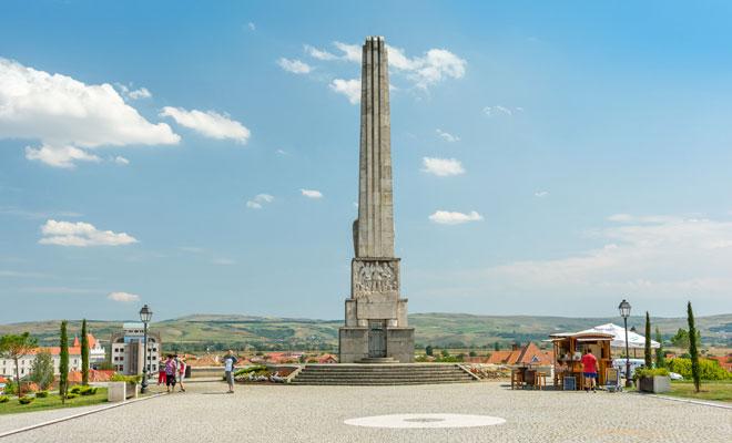 Obeliscul lui Horea Closca si Crisan din orasul Alba Iulia