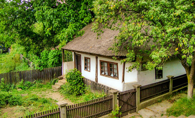 Casa Memoriala Mos Ion Roata din comuna Campuri - f64