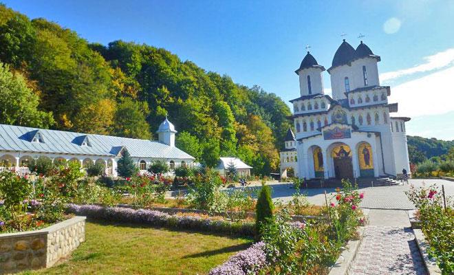 Manastirea Musunoaiele din comuna Fitionesti - amfostacolo