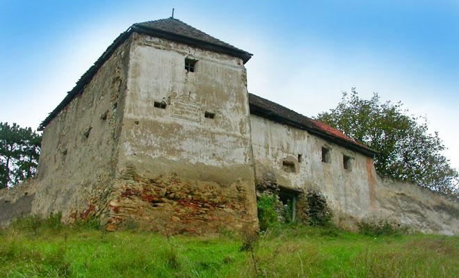 Cetatea Jimbor din comuna Homorod - wikimedia