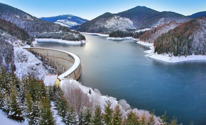 Lacul de acumulare Dragan din comuna Poieni