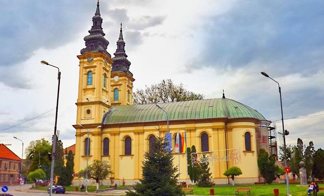 biserica-ortodoxa-adormirea-maicii-domnului-din-orasul-lugoj-panoramio