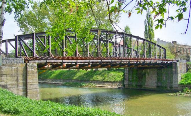 podul-eiffel-din-orasul-timisoara-bimturism