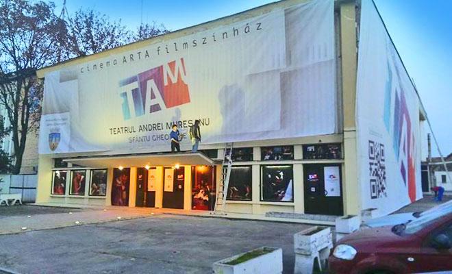 teatrul-andrei-muresanu-din-orasul-sfantu-gheorghe-mesageruldecovasna