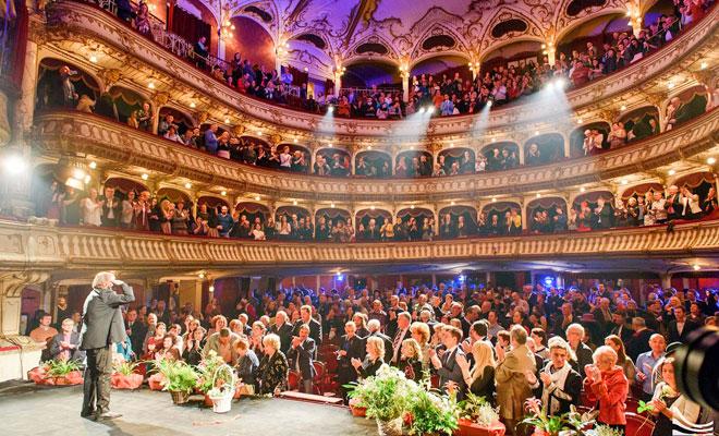 teatrul-national-lucian-blaga-din-orasul-cluj-napoca-flickr