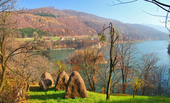 barajul-paltinu-din-comuna-valea-doftanei-flickr