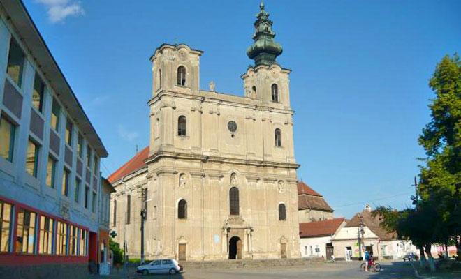 biserica-armeneasca-din-orasul-dumbraveni-wikimapia