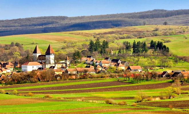 biserica-evanghelica-din-comuna-merghindeal-panoramio