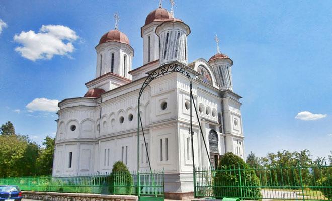 biserica-grecescu-din-orasul-drobeta-turnu-severin-panoramio