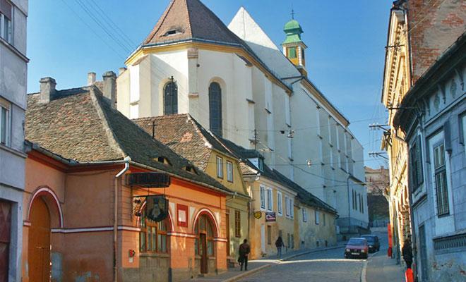 biserica-ursulinelor-din-orasul-sibiu-ici