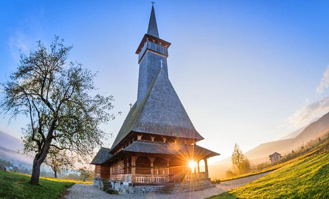 biserica-de-lemn-din-comuna-leud