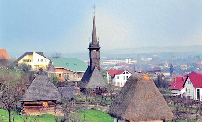 biserica-din-lemn-din-chechis-orasul-baia-mare-wikimedia