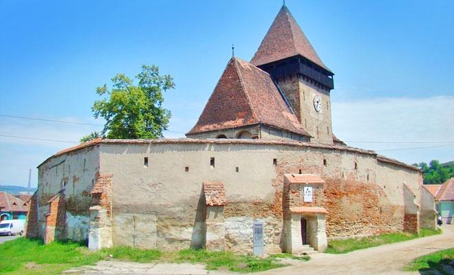 biserica-fortificata-din-comuna-axente-sever-infopensiuni