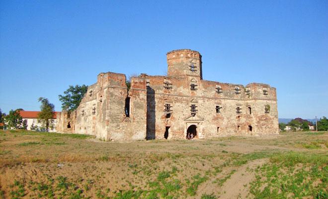 castelul-lonyai-din-comuna-mediesul-aurit-blogspot