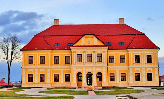 castelul-teleki-din-comuna-satulung