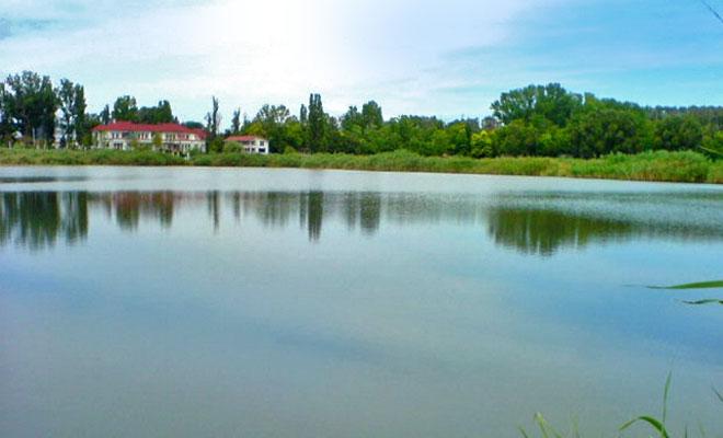 lacul-amara-din-orasul-amara-balnear