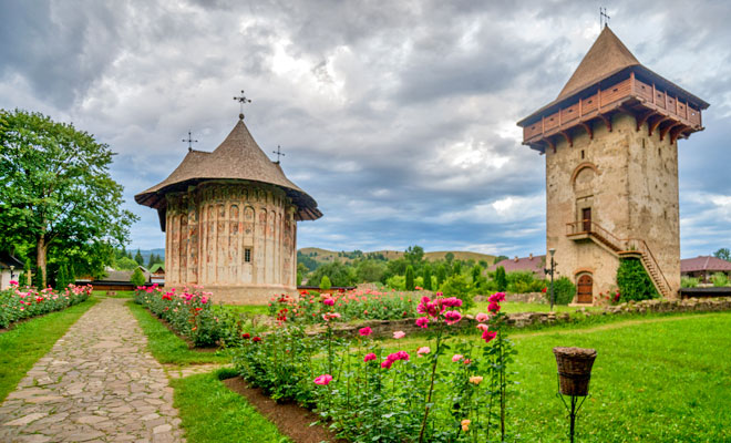 manastirea-humor-din-comuna-manastirea-humorului-flickr