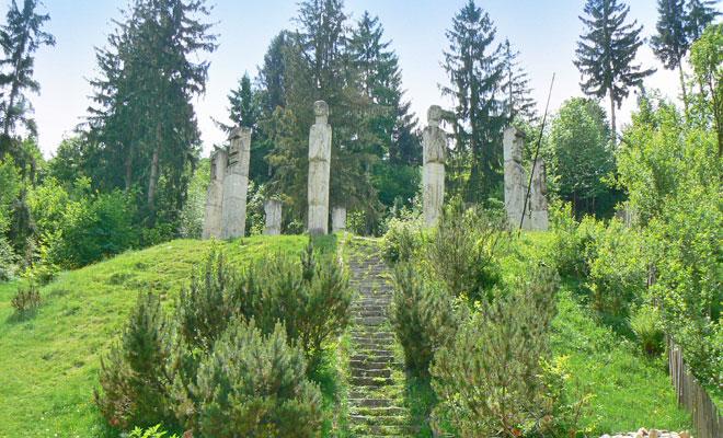 monumentul-eroilor-din-comuna-moisei-flickr