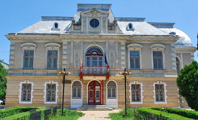 muzeul-de-istorie-din-orasul-roman-wikimedia