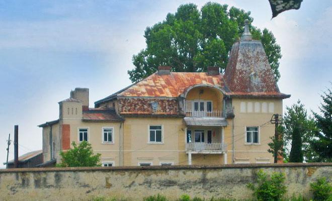 palatul-sturdza-din-comuna-cozmesti-canalblog