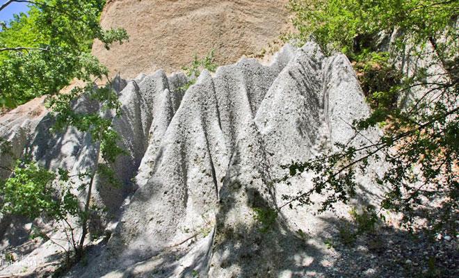 piramidele-de-la-goranu-din-orasul-ramnicu-valcea-herald