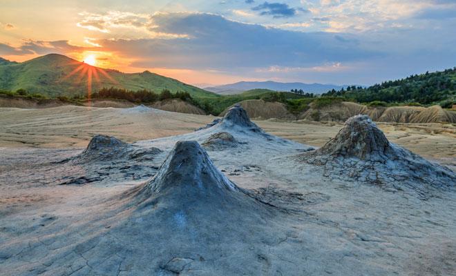 Vulcanii Noroiosi din comuna BercaVulcanii Noroiosi din comuna Berca