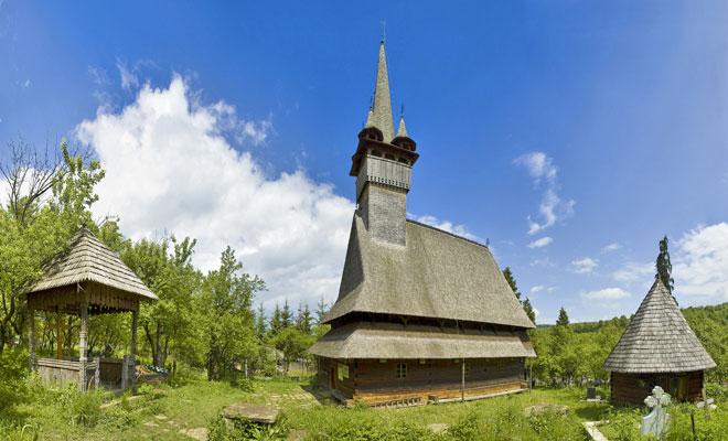 Biserica de lemn Sf. Nicolae din comuna Budesti, judetul Maramures