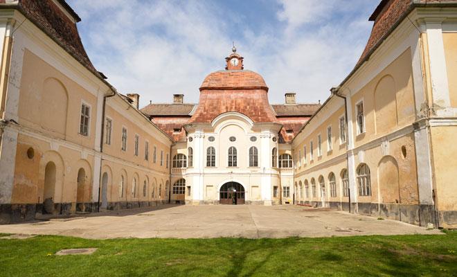 Castelul-Teleki-din-comuna-Gornesti,-judetul-Mures