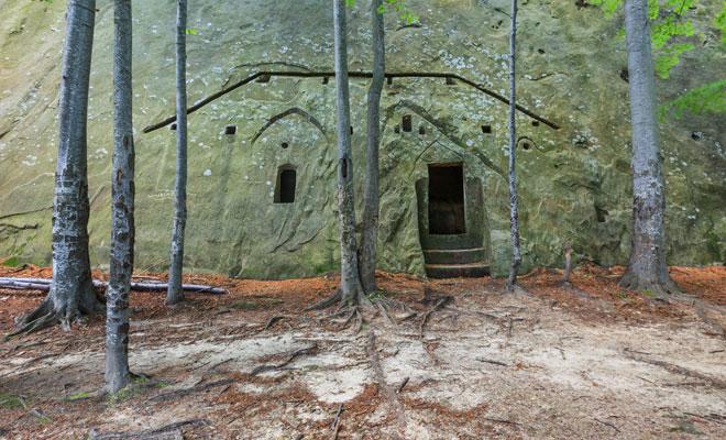 Schiturile-rupestre-de-la-Bozioru,-judetul-Buzau