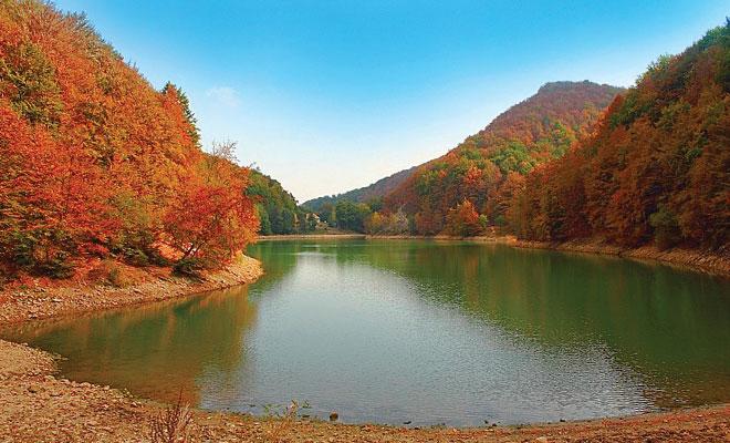 Lacul Iezer-Ighiel din comuna Ighiu - flickr