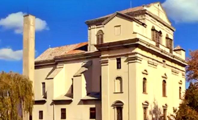 Biblioteca Batthyaneum din orasul Alba Iulia - flickr