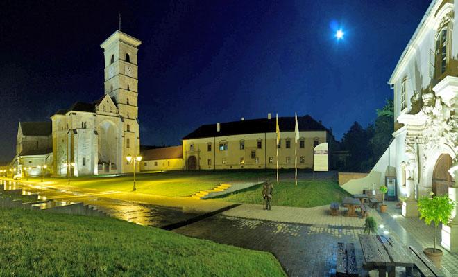 Catedrala Romano Catolica din orasul Alba Iulia - flickr