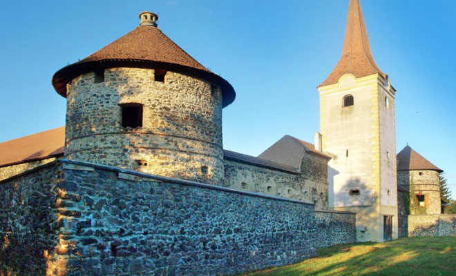 Castelul Bethlen din comuna Racos - turculturalbrasov