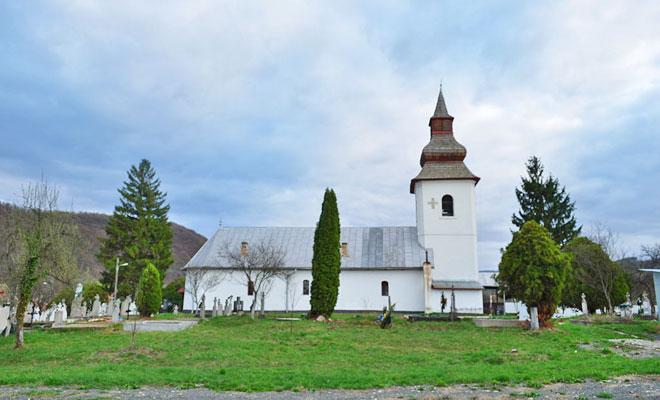 biserica-cuvioasa-paraschiva-din-sat-lapusnic-comuna-dobra-bimturism