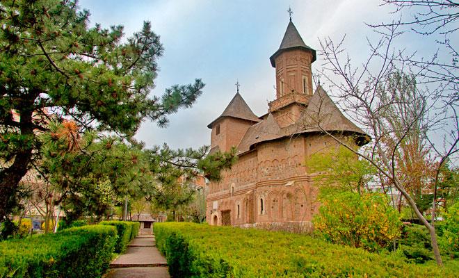 biserica-fortificata-sfanta-precista-din-orasul-galati-dan-calin