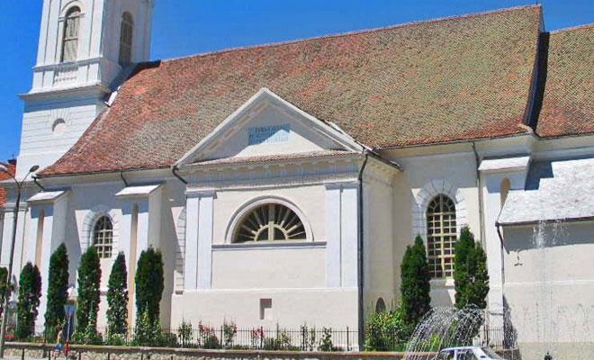 biserica-reformata-calvina-din-orasul-targu-secuiesc-wikipedia