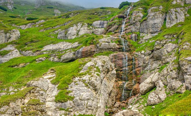 cascada-obarsia-ialomitei-din-judetul-dambovita-flickr