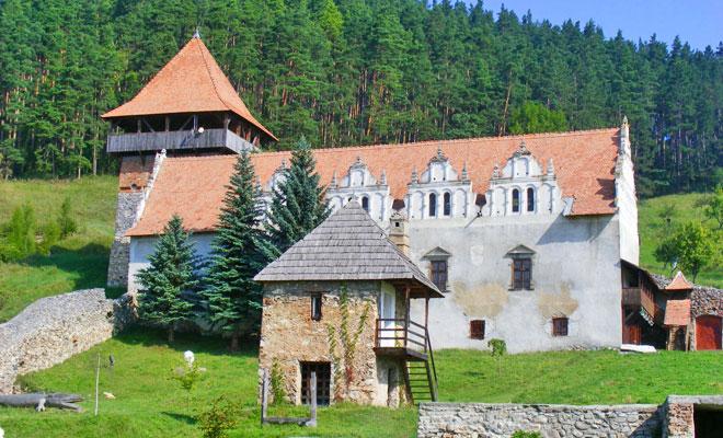 castelul-lazarea-din-comuna-lazarea-romanianturism