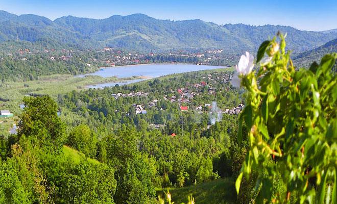 lacul-pucioasa-din-orasul-pucioasa-panoramio