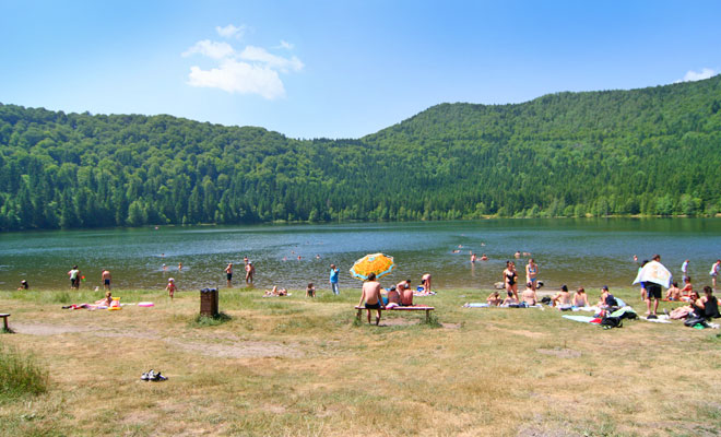 lacul-sfanta-ana-din-comuna-tusnad