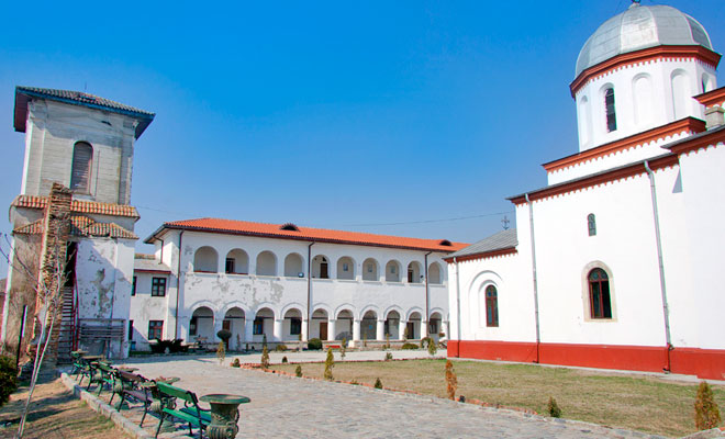 manastirea-comana-din-comuna-comana-dan-calin