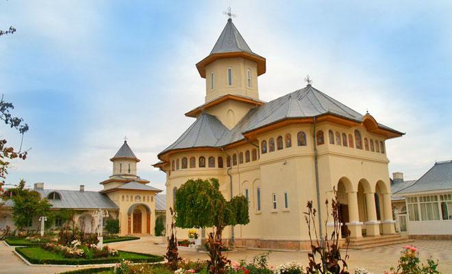 manastirea-vladimiresti-din-comuna-tudor-vladimirescu-undemergem