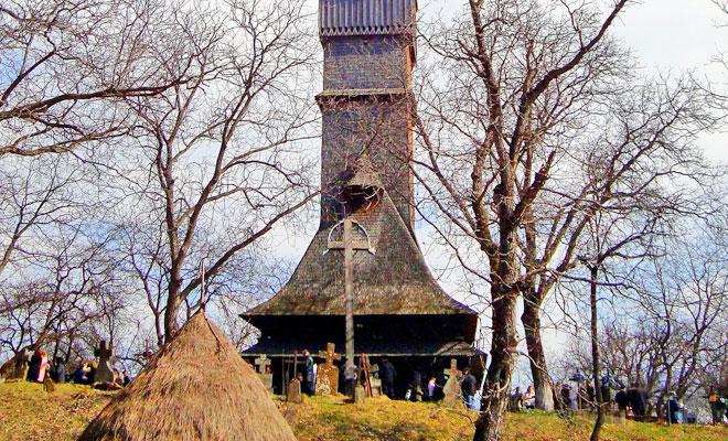biserica-de-lemn-din-surdesti-comuna-sisesti